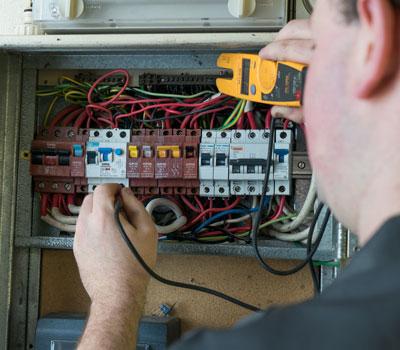 3 common electrical problems that need an eleectrician aux2 image